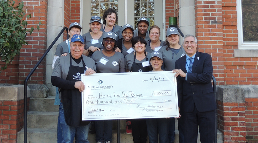 Mutual Security Credit Union employees volunteering at local organization